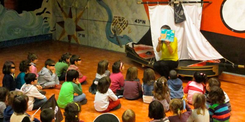 Alumnos de Educación Infantil Realizando la Actividad Aprendiz de Pirata en Itsasmuseum
