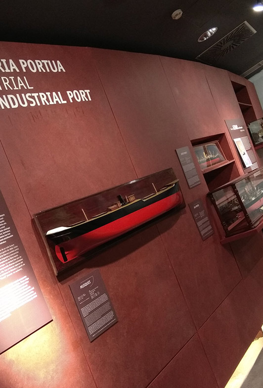 Fragmento de la Exposición Puerto Industrial del Itsasmuseum